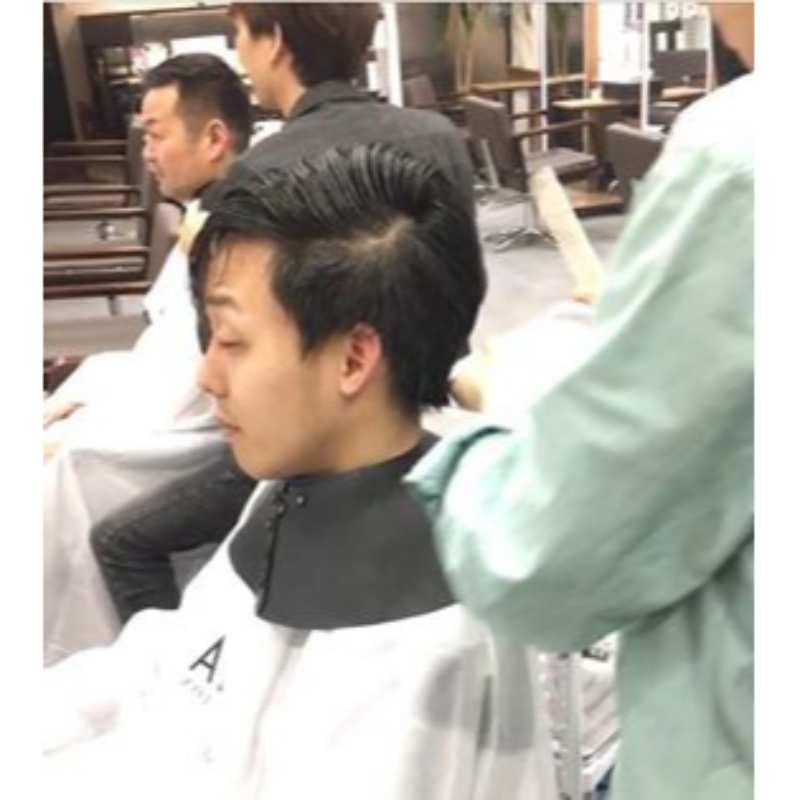 山本とよしきの散髪の様子